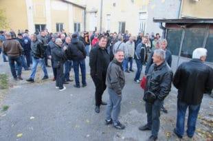Радници спречили извршитеље да преузму Фабрику резног алата у Чачку