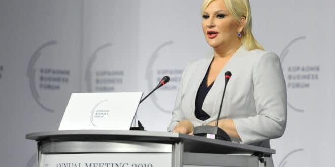 Како би Михајловићка било да се ти и албанске луке носите у три лепе ПМ? 1