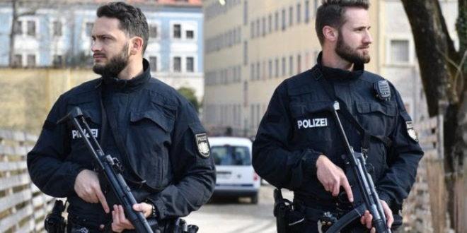 Паника широм Немачке, евакуације због дојаве о бомбама 1