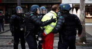 Макронов глобалистички режим послао у затвор 800 Жутих прслука, некима `одрезао` и до три године