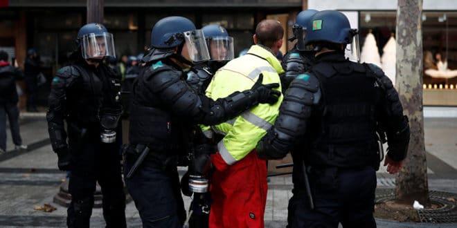 Макронов глобалистички режим послао у затвор 800 Жутих прслука, некима `одрезао` и до три године 1