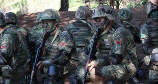 ВУЧИЋ НИ ДА ПИСНЕ: Војска Албаније ушла на Kосово, распоређена за маневре и вежбе! 9