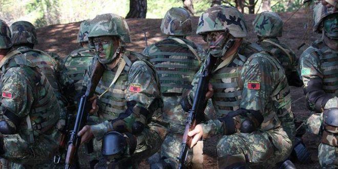 ВУЧИЋ НИ ДА ПИСНЕ: Војска Албаније ушла на Kосово, распоређена за маневре и вежбе! 1