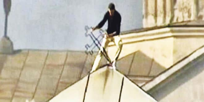 Подсећање на мартовски погром шиптарских фашиста 2004. године: Уништавано све што носи знак крста 1