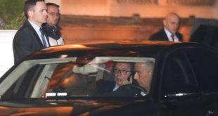 ВУЧИЋ кроз тунел побегао из председништва! 1
