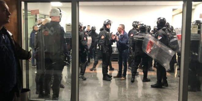 Србија: Закон за хулигане примењен на политичким неистомишљеницима 1