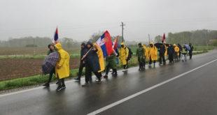 ''Срби'' са КиМ пешке у Београд - за Србију, Вучића и 50 хиљада динара! 2