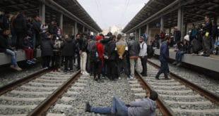 Атина: Мигранти протестују, железничке услуге суспендоване 12