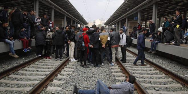 Атина: Мигранти протестују, железничке услуге суспендоване 1