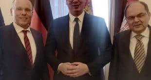 Пусти ЕУ, него зашто Србија не реагује на отворене непријатељске акте не само Приштине већ Тиране и Скопља? 10