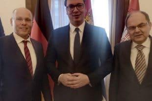 Пусти ЕУ, него зашто Србија не реагује на отворене непријатељске акте не само Приштине већ Тиране и Скопља? 8