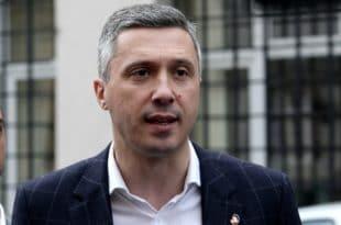 АМАН ЧОВЕЧЕ, прогласили су читаву опозицију за фашисте и насилнике а ви чекате дијалог са Вучићем?!