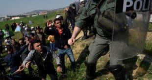 Мигранти се спремају за покрет, Грчка прети казнама 11