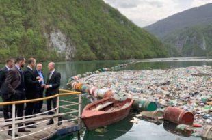 На Дрини и Лиму плутајуће депоније отпада