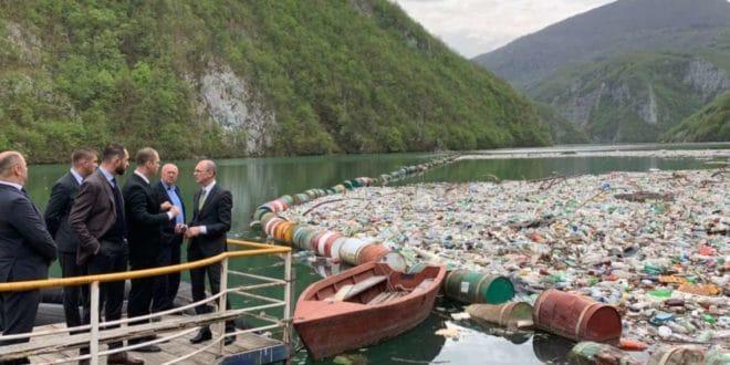 На Дрини и Лиму плутајуће депоније отпада 1