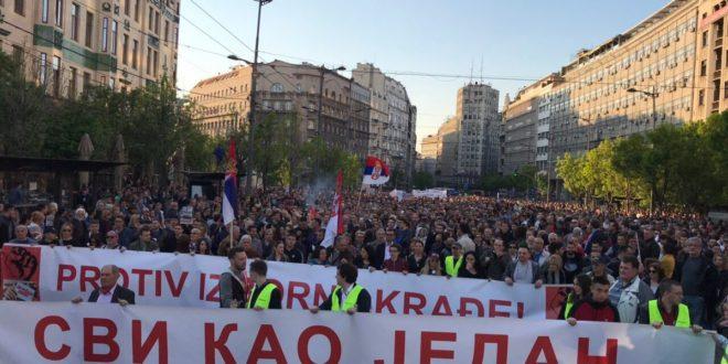 """Београд: У току протест """"Један од пет милиона"""" и шетња до РТС 1"""