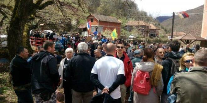 Протест народа против МХЕ: Заклели се да реке неће дати ником 1