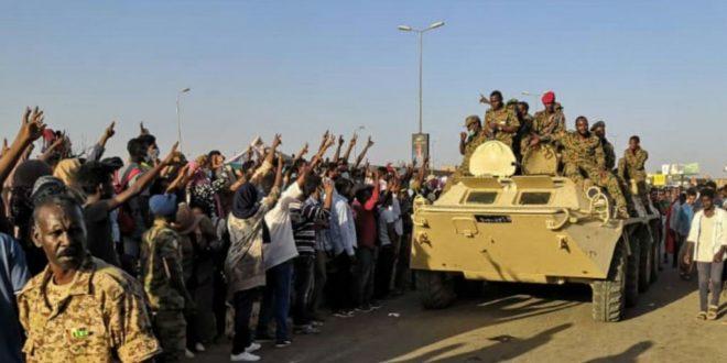 Судан: Извршен војни пуч, председник Омар ал Башир уклоњен након 30 година на власти 1
