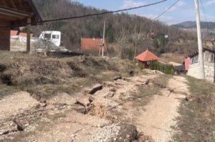 Тло не мирује око Заовинског језера, урушило се двадесет кућа (видео) 5