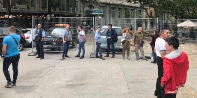 Вучићеви и Весићеви батинаши почели су на улицама да тероришу Београђане! (видео) 1