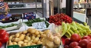 """Воће, поврће и кромпир """"погурали"""" цене"""