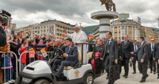 Папа у Старој Србији - Унија Скопља и Ватикана (видео) 6