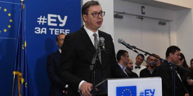 """Прво са комесарима прославио """"Дан Европе"""" па онда дан касније слави """"Дан победе""""?! 1"""