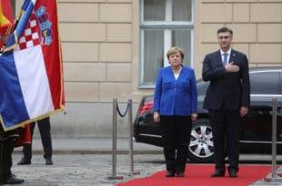Ангела Меркел стигла у Загреб