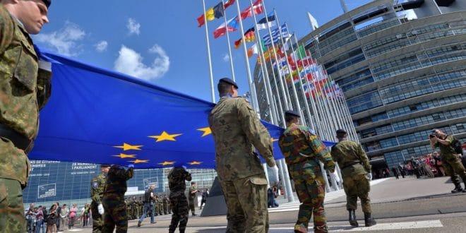 """Вашингтон упозорио ЕУ на """"економске и политичке последице"""" ако настави рад на сопственим одбрамбеним пројектима 1"""