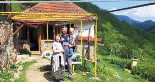 Руси подмлађују опустело српско село 7