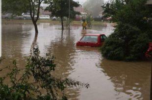 Излиле се реке у Приједору, поплављено око 200 кућа (видео)