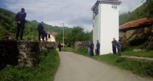 РАКИТA Село пуно полиције – напали народ због мини-хидроелелектране! (видео) 12