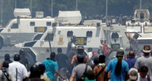 ПРОПАО ПУЧ У ВЕНЕЦУЕЛИ: Гваидо побегао из Каракаса, његови сарадници и дезертери траже азил по западним амбасадама 4