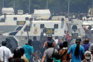 ПРОПАО ПУЧ У ВЕНЕЦУЕЛИ: Гваидо побегао из Каракаса, његови сарадници и дезертери траже азил по западним амбасадама