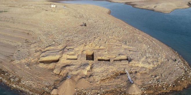 Из воде изронио град стар 3.500 година