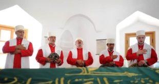 Београд: Група дервиша са КиМ у Шејх Мустафином турбету одржала молитву, прву после 236 година 3