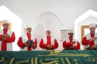 Београд: Група дервиша са КиМ у Шејх Мустафином турбету одржала молитву, прву после 236 година