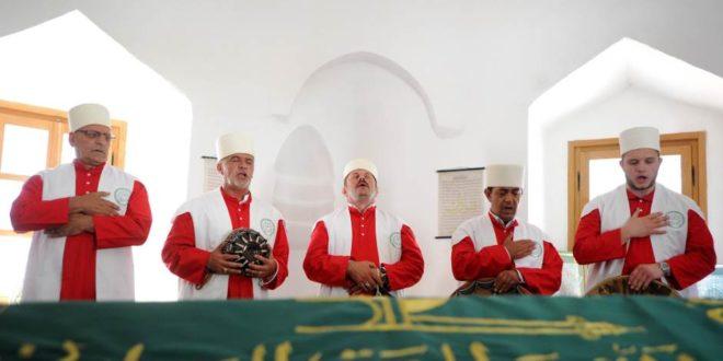 Београд: Група дервиша са КиМ у Шејх Мустафином турбету одржала молитву, прву после 236 година 1