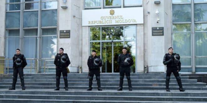 Врх режима Молдавије са пет приватних авиона побегао из земље 1