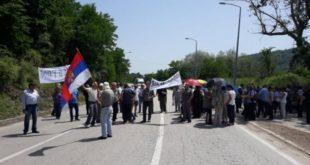 Радници из протеста блокирали на сат времена пут Ниш – Приштина!
