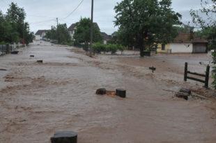 Кнић: Више од 1.200 хектара под водом, евакуисана домаћинства 6
