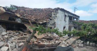 СЕРИЈА ЗЕМЉОТРЕСА У АЛБАНИЈИ: Повређено пет особа, рушиле се куће 10