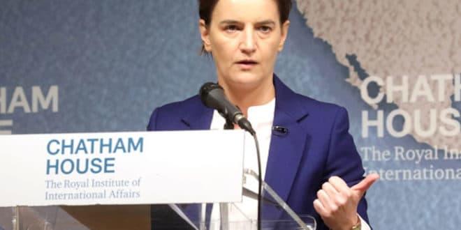 ОСТАВКА! Брнабићка признала да су мигрантима НУДИЛИ српско држављнство?! (видео) 1