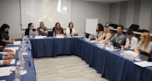 Скандал у Валони — приштинска делегација гађала флашом шефа српске делегације 8