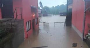 """Поплаве: Kатастрофа у Лучанима, """"потоп"""" у Kраљеву, критично и у Новом Пазару (видео) 12"""