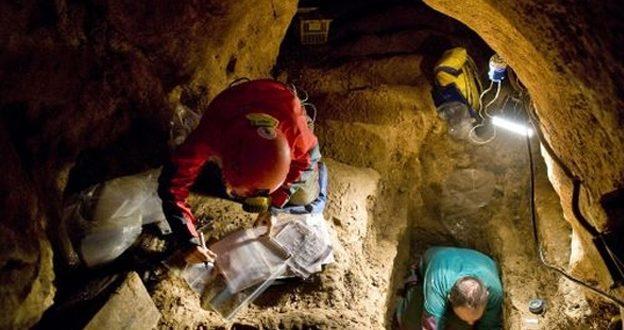 НАЛАЗИШТЕ КОЈЕ МОЖЕ УЗДРМАТИ ТЕОРИЈУ ЕВОЛУЦИЈЕ: Шта говоре откривене људске кости (видео)