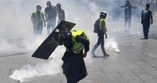 Полиција у Монпељеу без разлога против Жутих прслука употребила сузавац и водене топове (видео) 9