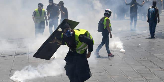 Полиција у Монпељеу без разлога против Жутих прслука употребила сузавац и водене топове (видео) 1