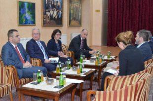 Ко је дозволио војним представницима Аустрије, Немачке и Бугарске да вршљају по Новом Пазару?