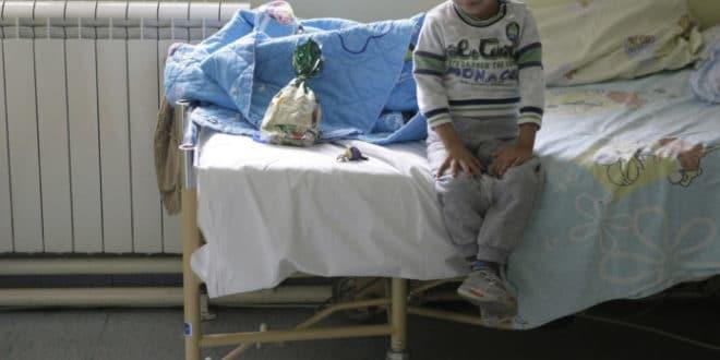 Расте број оболеле деце у Србији: Рак убија будућност 1